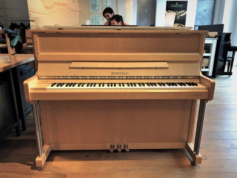 HUPFELD 118 KSI Klavier Ahorn satiniert, Bj. ca. 1997