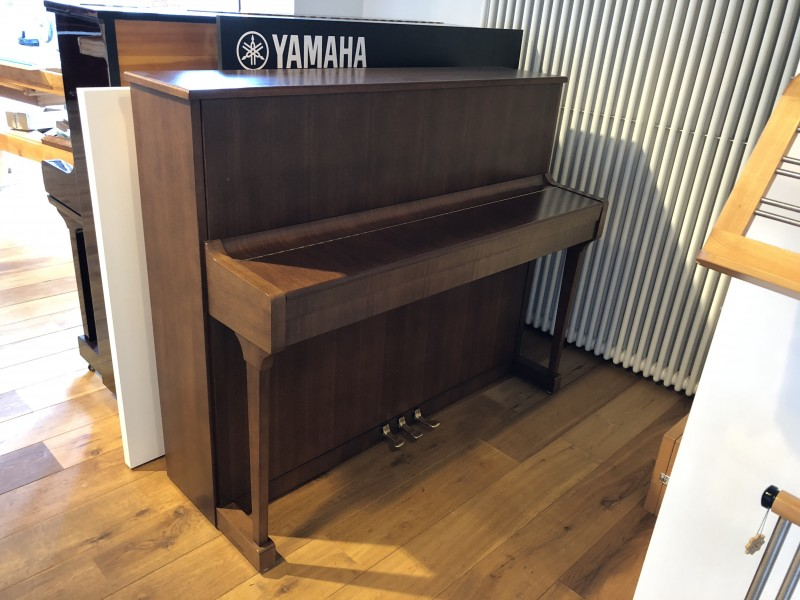 MAY 120 Klavier