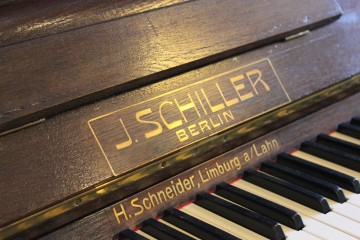 SCHILLER 128 Klavier Bj. 1927 Vintage