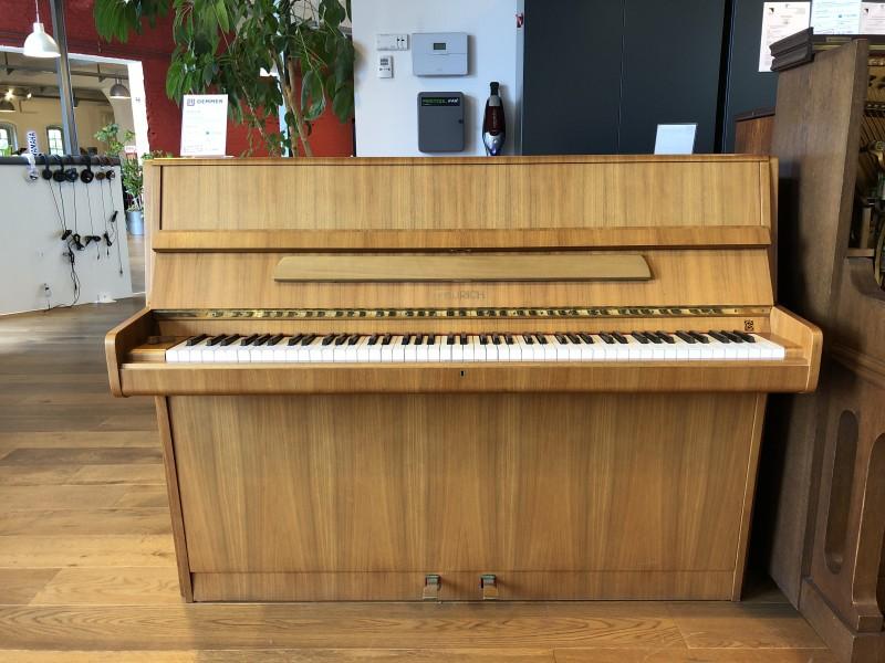FEURICH 109 Klavier